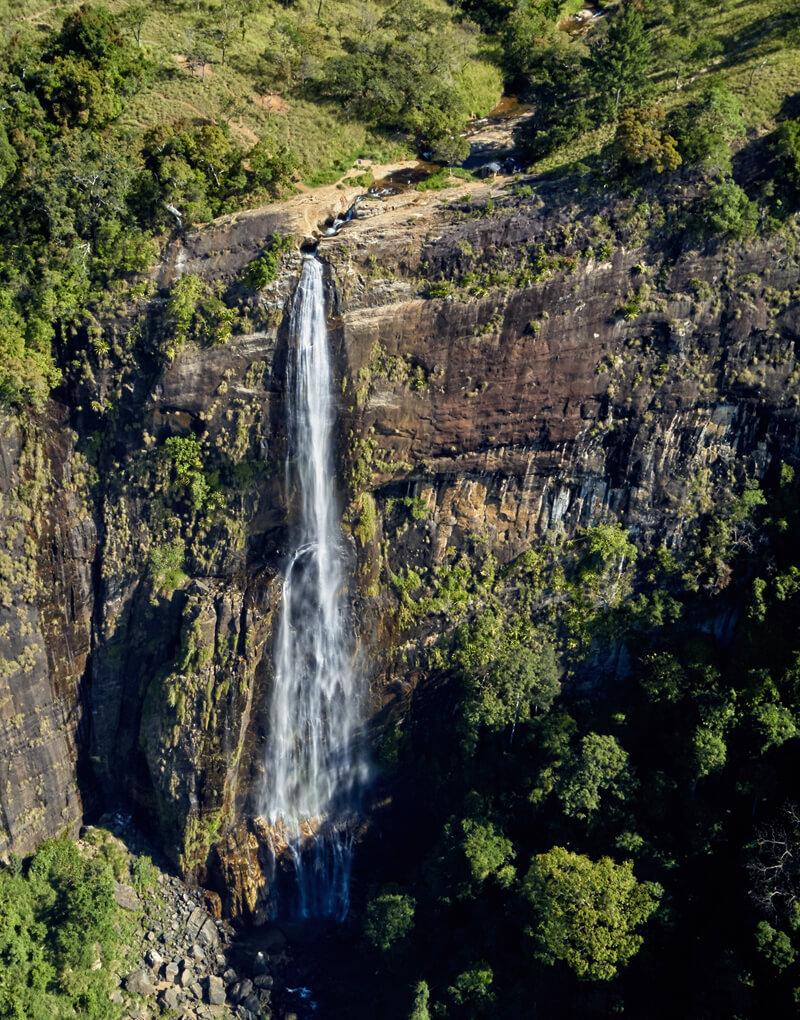 Explore Diyaluma Falls